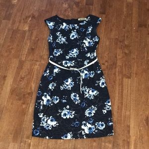 Mystic Flowery Dress with Belt and side pockets